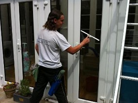 window-cleaning-jpg-opt355x265o00s355x265